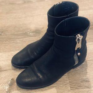 Stuart Weitzman Ankle boots size 6